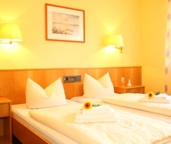 Gastezimmer Einzel Doppel Mehrbettzimmer Und Ferienwohung Gasthof Schneider